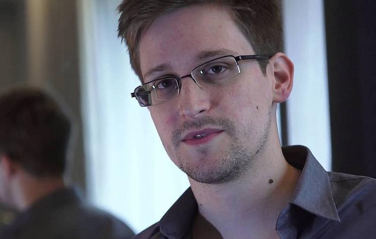 Пандемия внесла коррективы в продление вида на жительство в России Сноудену