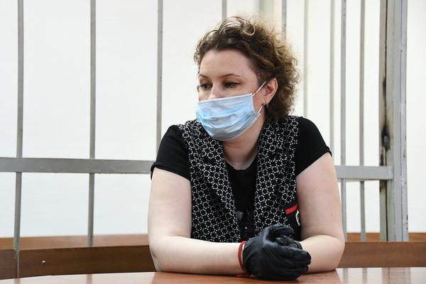 Подругу звезды российского кино посадили за хищение с ее счетов миллионов