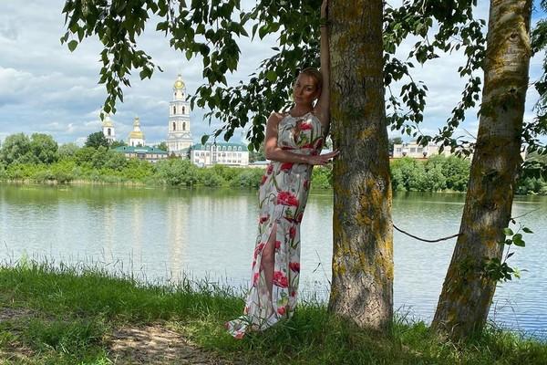 Волочкова представила свою версию попадания в закрытое на карантин село