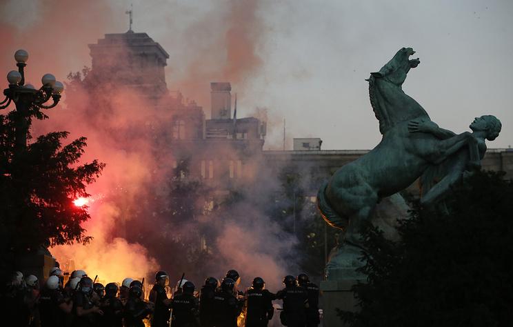 В Белграде второй день подряд проходят акции протеста