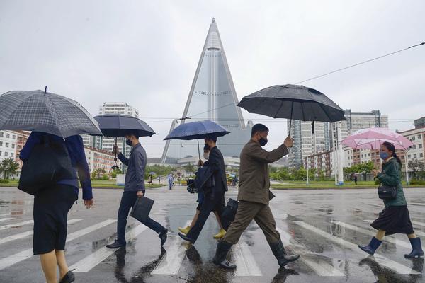 Северная Корея сообщила о первом случае подозрения на коронавирус в стране