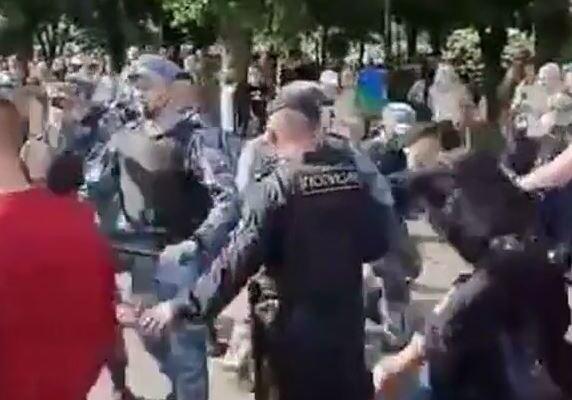 В Москве десантники подрались с росгвардейцами