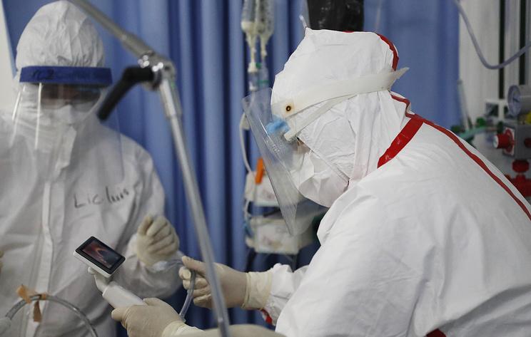 Число умерших из-за коронавируса в мире достигло 900 тыс.