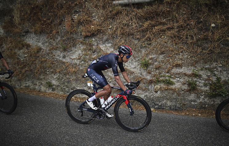 """Действующий победитель """"Тур де Франс"""" Берналь снялся с многодневки 2020 года"""