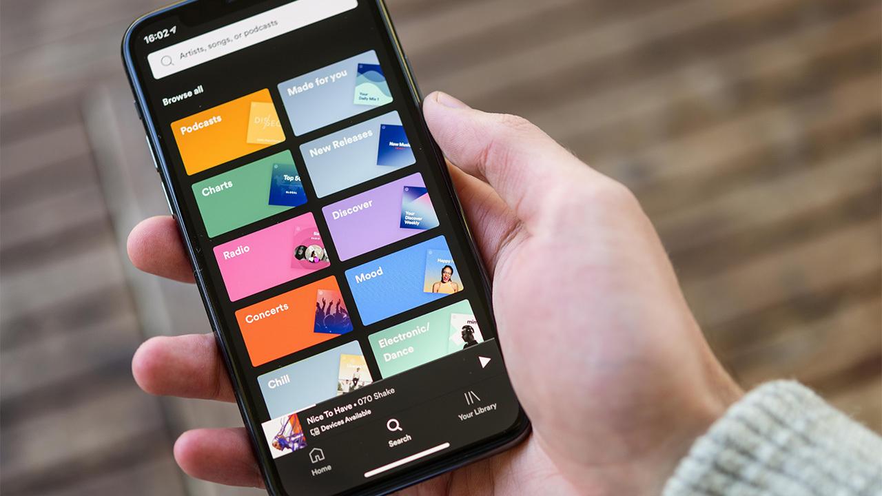 Самый популярный iPhone в мире рекордно подешевел