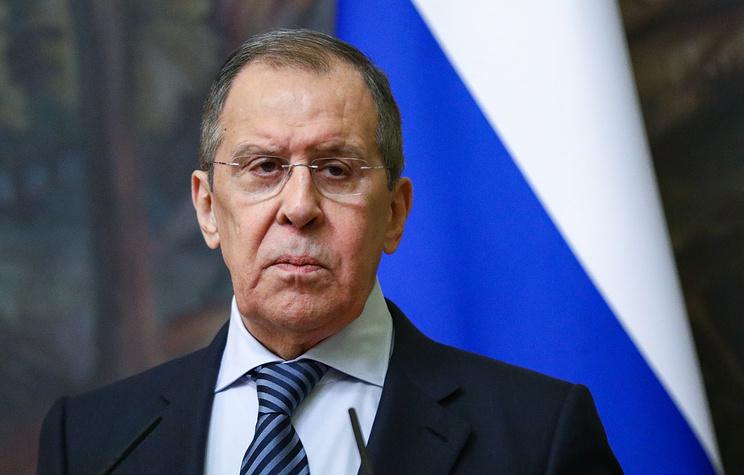 Главы МИД РФ и Азербайджана обсудили развертывание миротворческого контингента в Карабахе