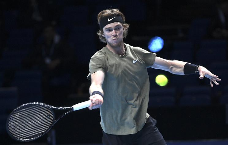 Рублев объяснил причину плохой подачи в дебютном матче Итогового турнира ATP против Надаля