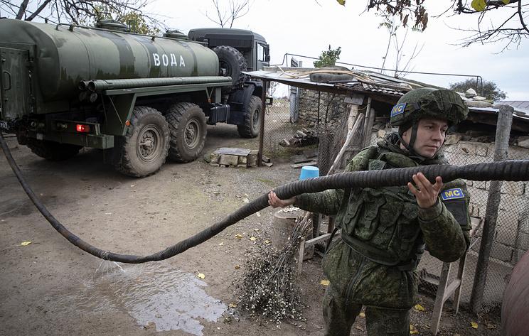 Миротворцы РФ доставили цистерны с водой в карабахские деревни