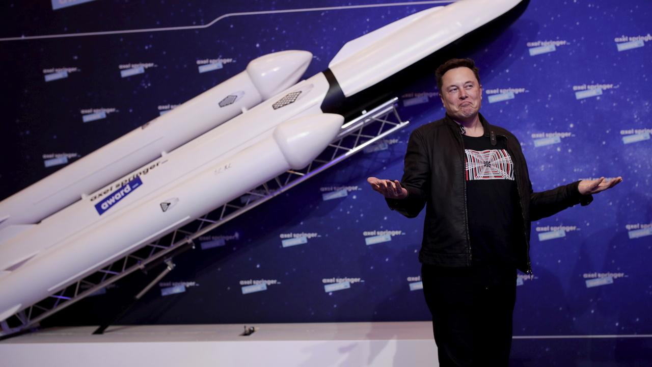 Самый богатый человек в мире решил распродать все имущество ради заселения Марса