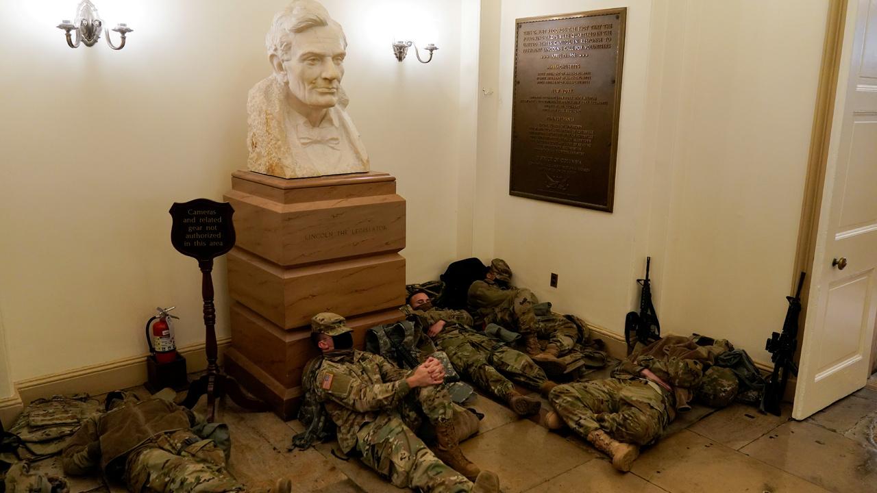 Нацгвардия осталась на ночь в Капитолии впервые с временем Гражданской войны