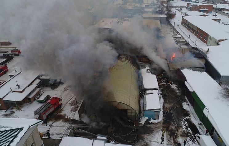 Пожар в ангарах в Краснодаре локализовали
