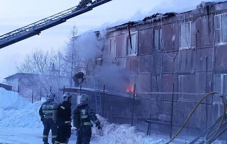 Пожар произошел в жилом многоквартирном доме в Лабытнанги