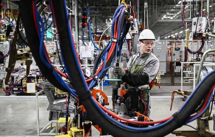 Минпромторг готов поддержать автозаводы в случае проблем с комплектующими