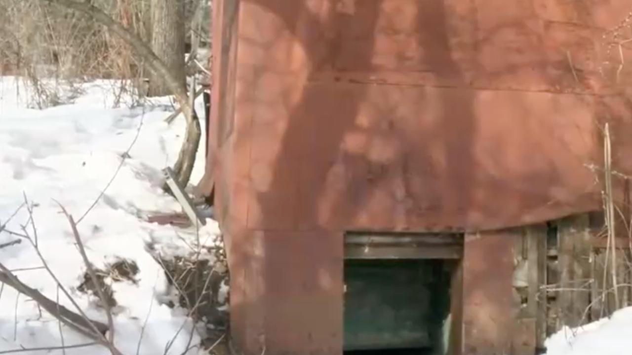 Остатки бункера скопинского маньяка для его жертв показали на видео
