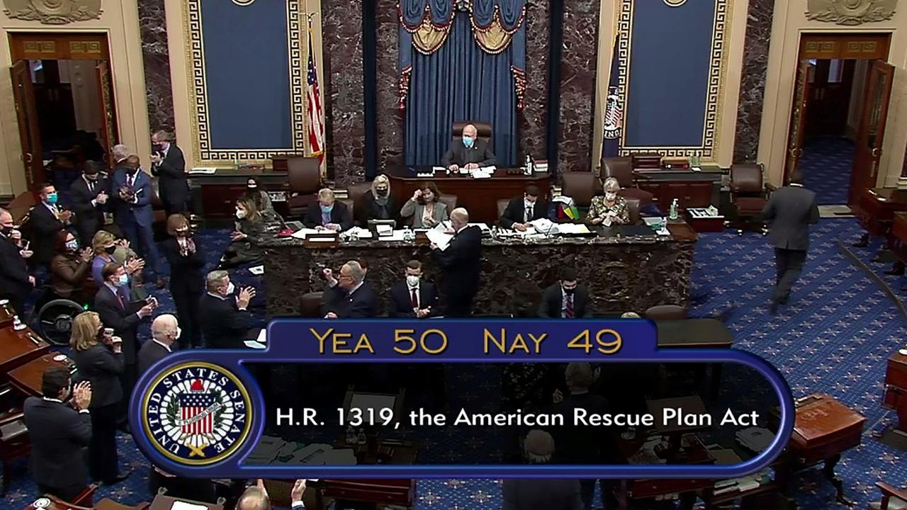 Сенат США утвердил план Байдена по спасению экономики
