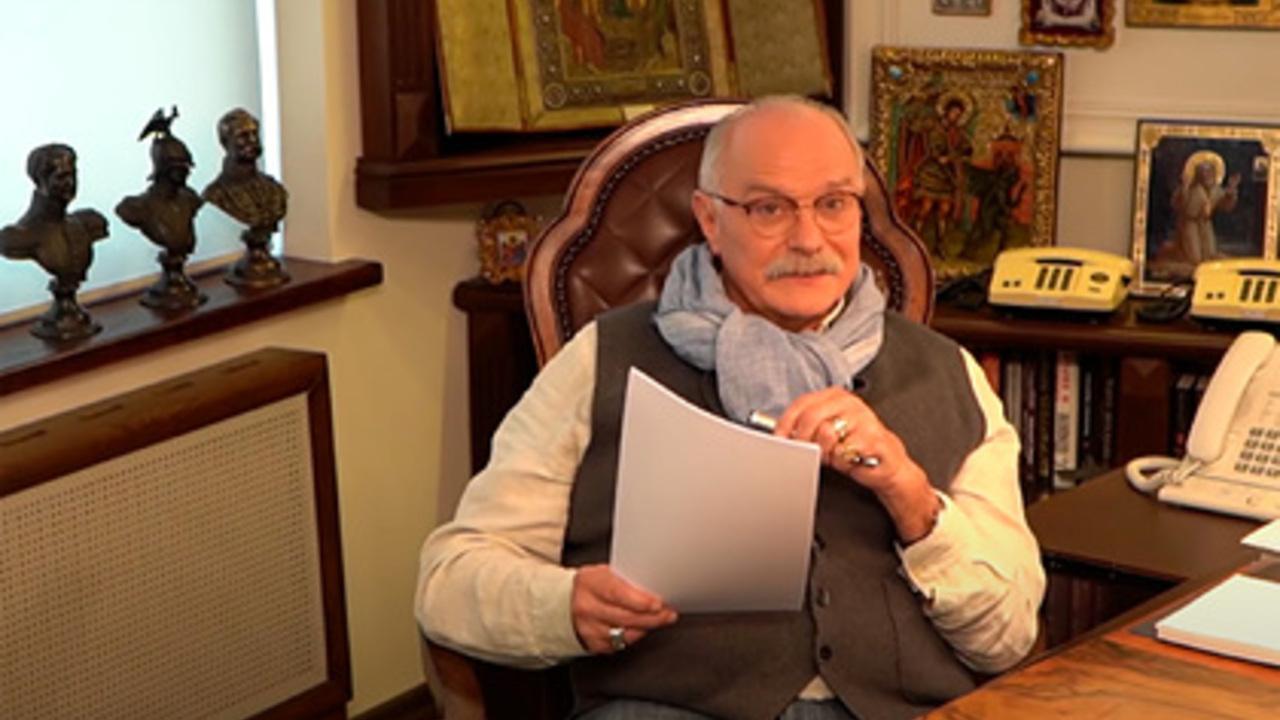 Никита Михалков ответил Собчак на расследование о его доходах