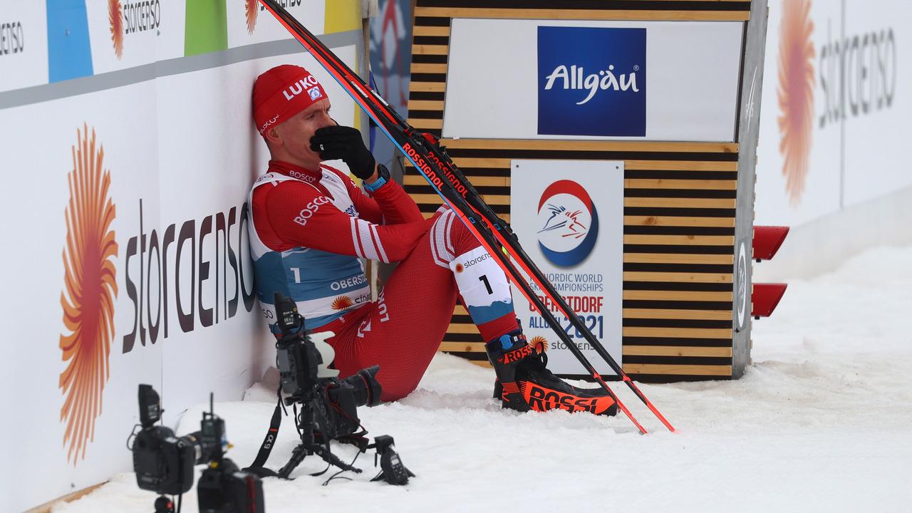 Путин поздравил Большунова с серебром в марафоне на чемпионате мира