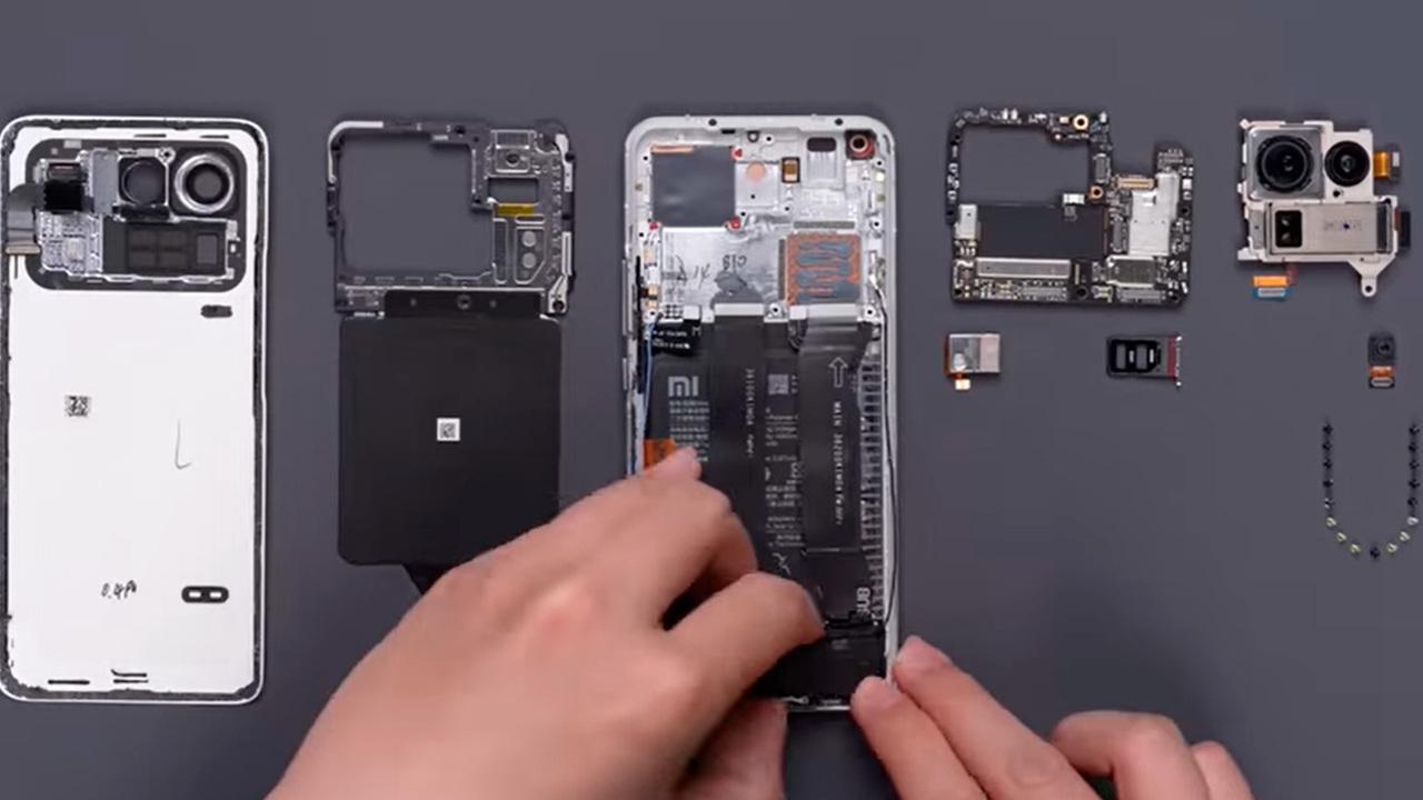 Показаны внутренности самого дорогого смарфтона Xiaomi