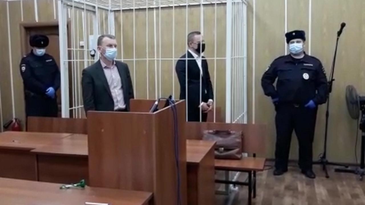 Задержанного за превышение полномочий чиновника Минпромторга отправили в СИЗО