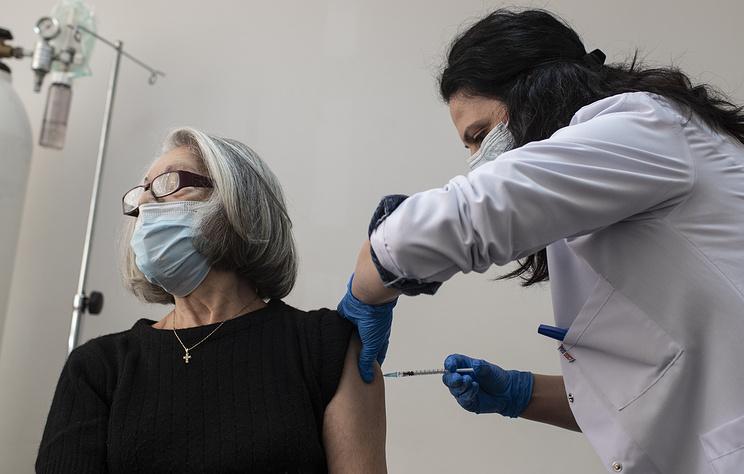 В США сообщили, что каждый пятый американец прошел полную вакцинацию