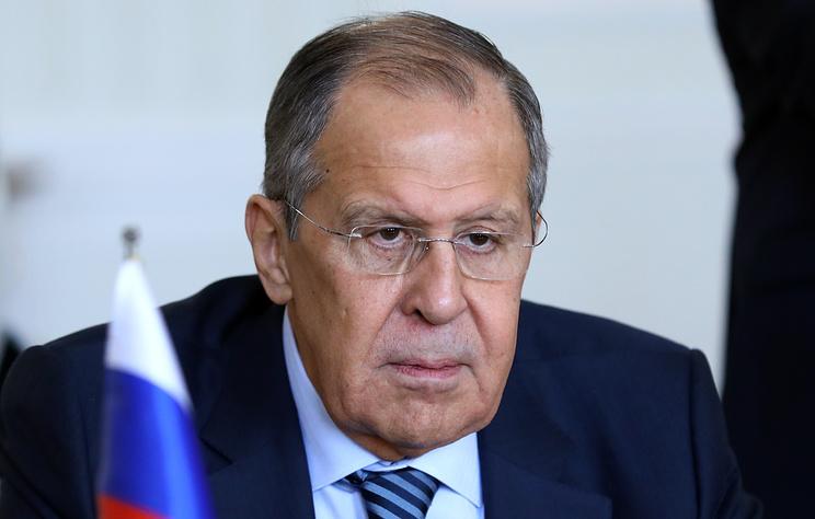 """РФ примет меры в ответ на санкции США, но действия против бизнеса придержит """"про запас"""""""