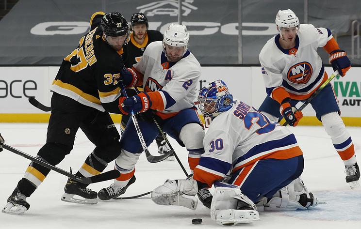 """""""Айлендерс"""" уступили """"Бостону"""" в матче НХЛ. Сорокин отразил 25 бросков"""