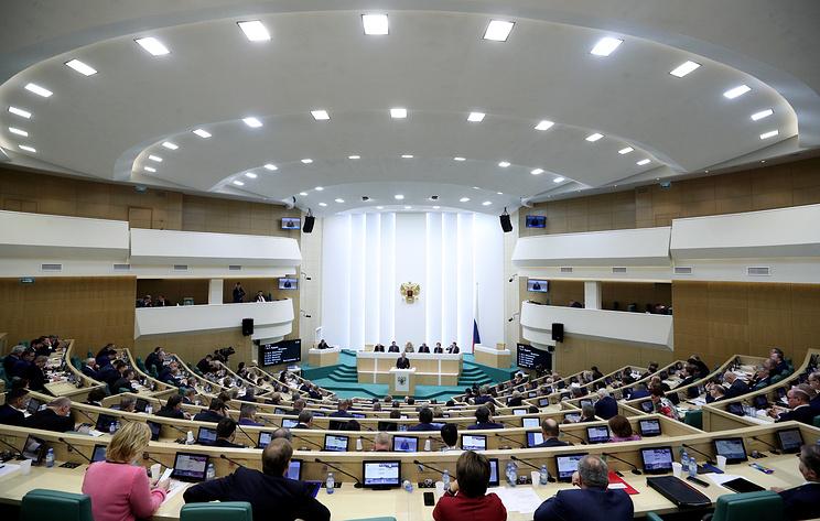 В Совфеде назвали заявления Праги о возможной высылке дипломатов РФ болезненной реакцией