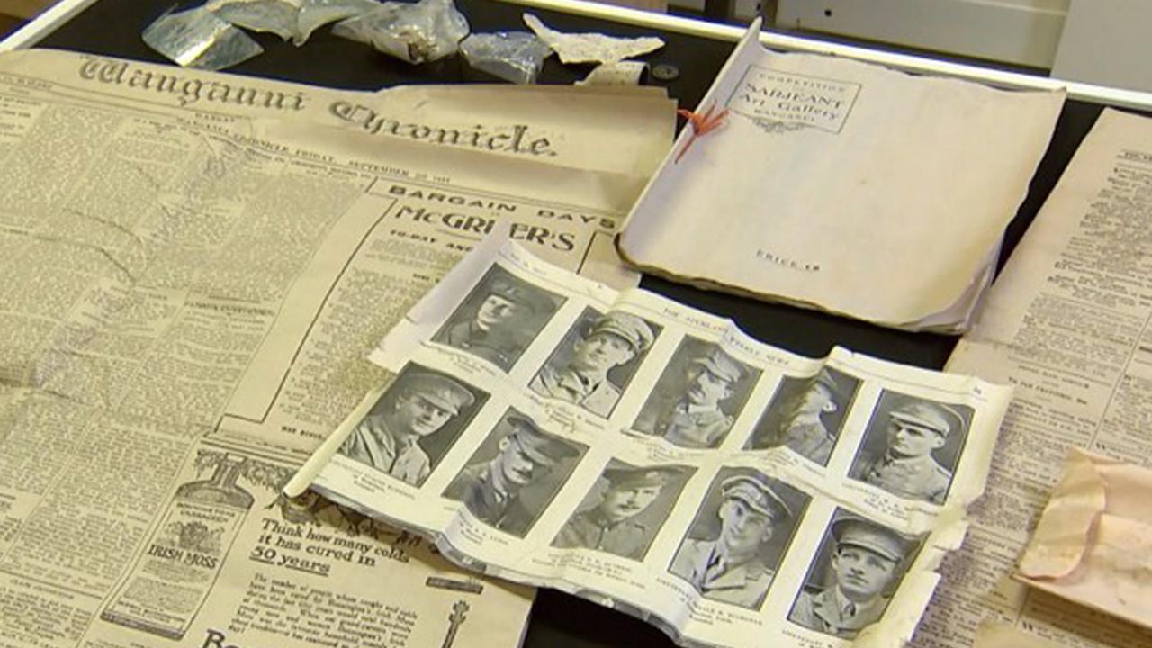 Строитель обнаружил капсулу времени и раскрыл 100-летнюю тайну