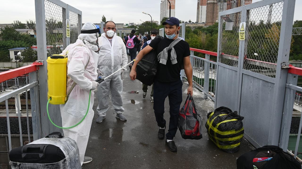 Всех мигрантов в России обяжут получать единый документ