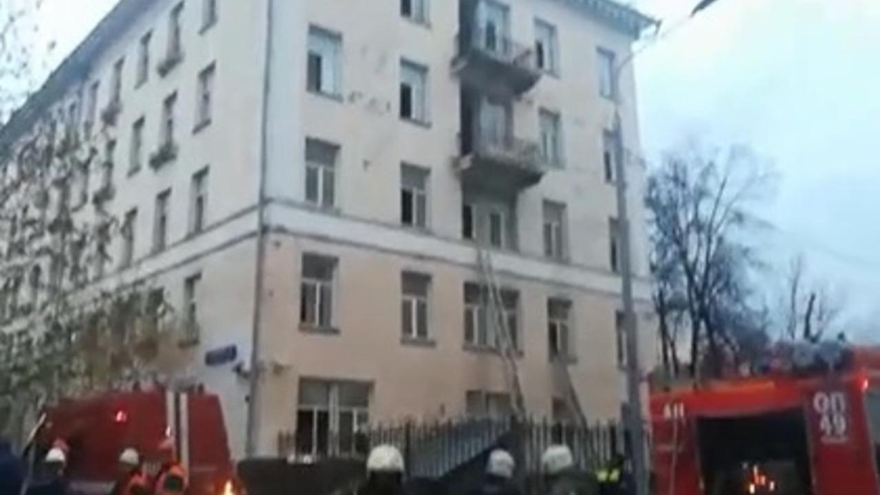 СК возбудил дело по факту пожара в московской гостинице