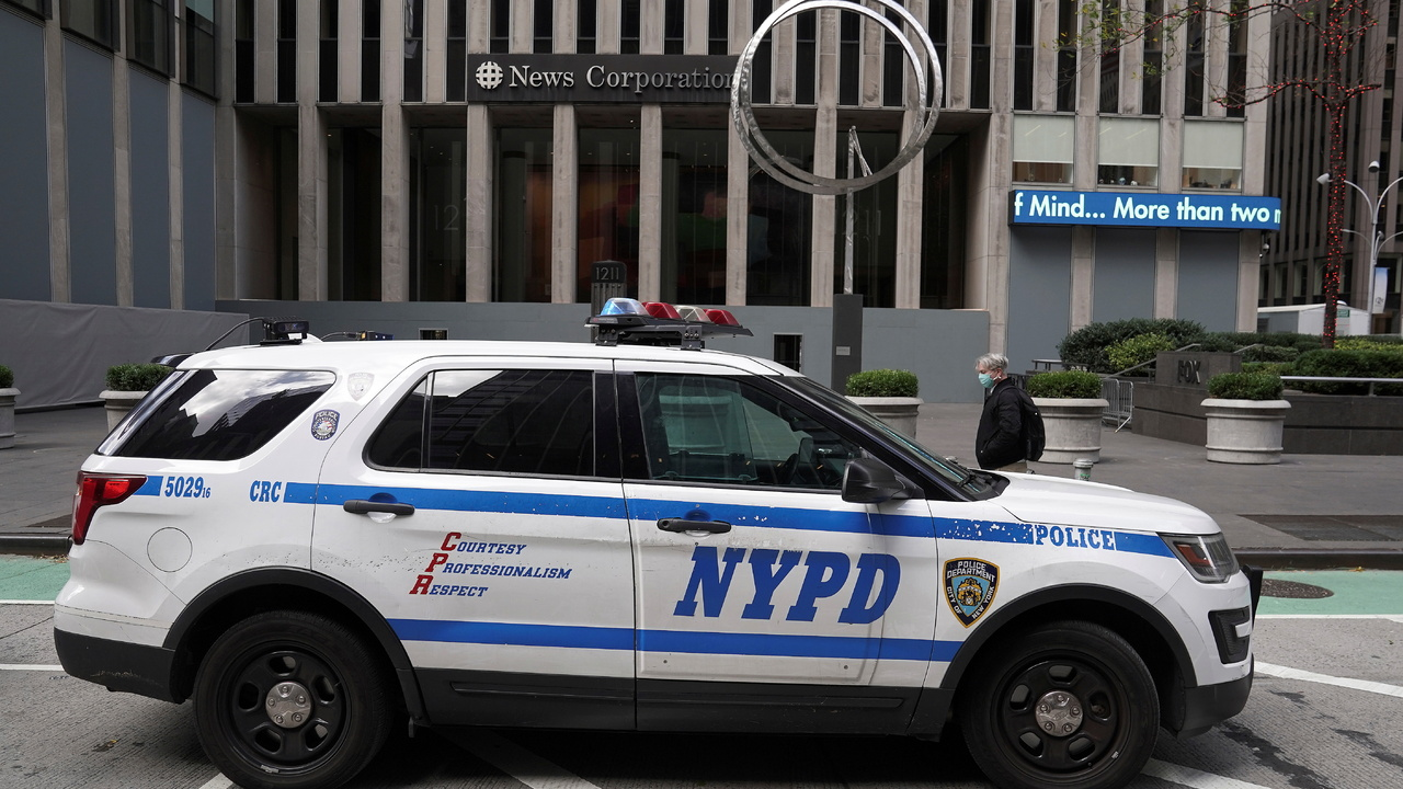 Неизвестный выстрелил в женщину и ребенка на Таймс-сквер в Нью-Йорке