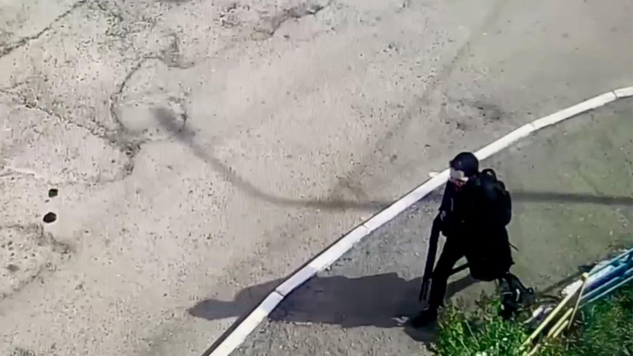 Генерал ФСБ объяснил бездействие прохожих при виде напавшего на казанскую школу