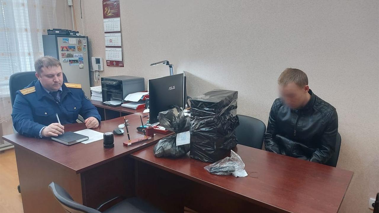 На задержанного ФСБ россиянина возбудили дело после сообщений напасть на школу