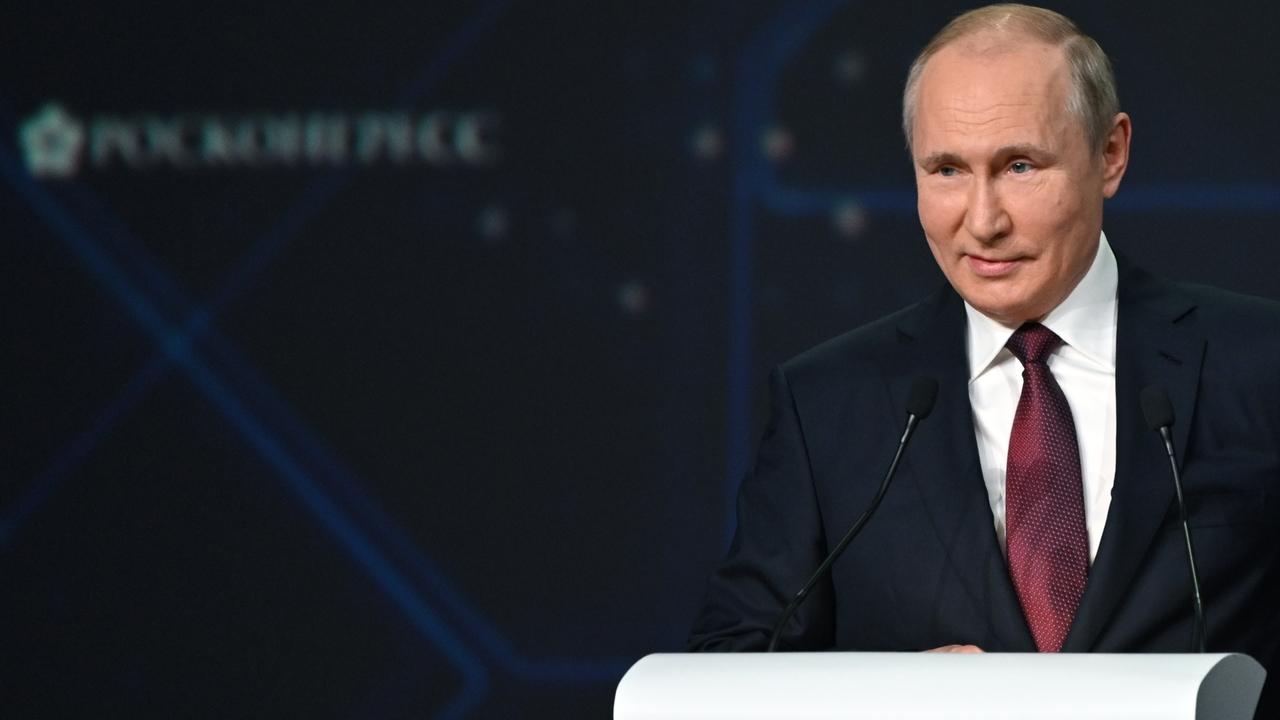 Путин уточнил позицию России по использованию доллара