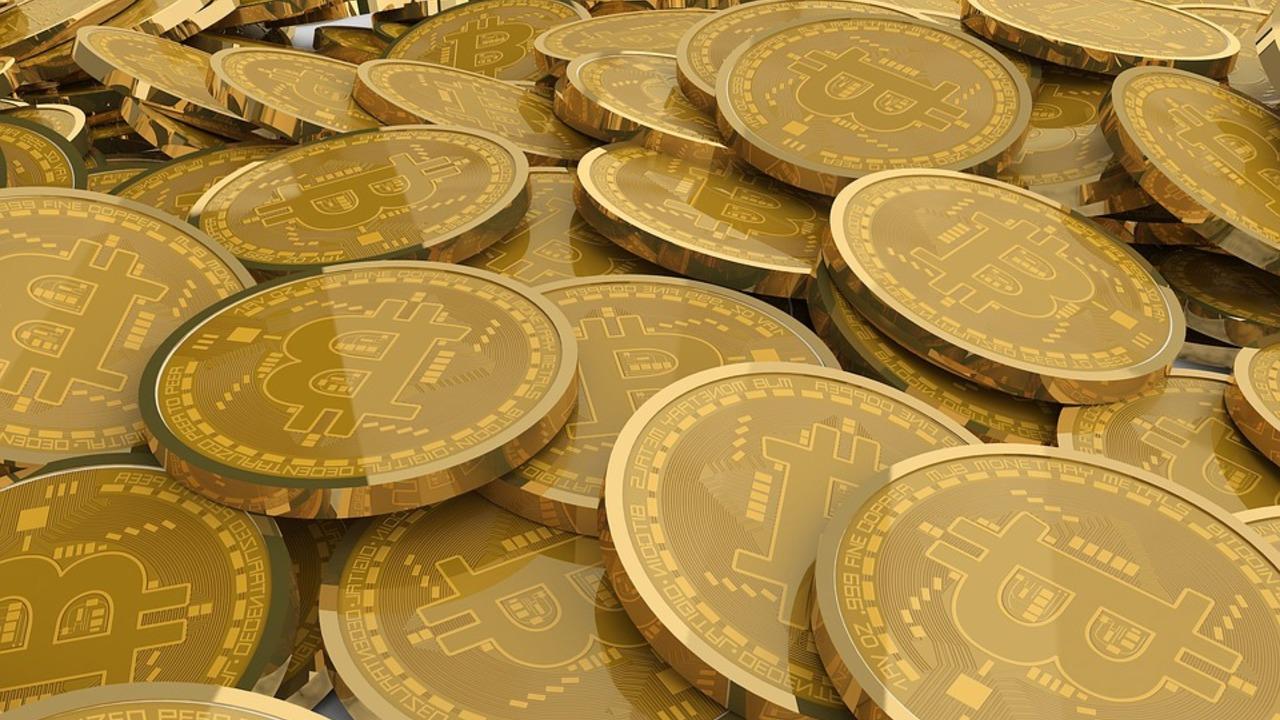 Первая в мире страна захотела сделать биткоин легальным платежным средством