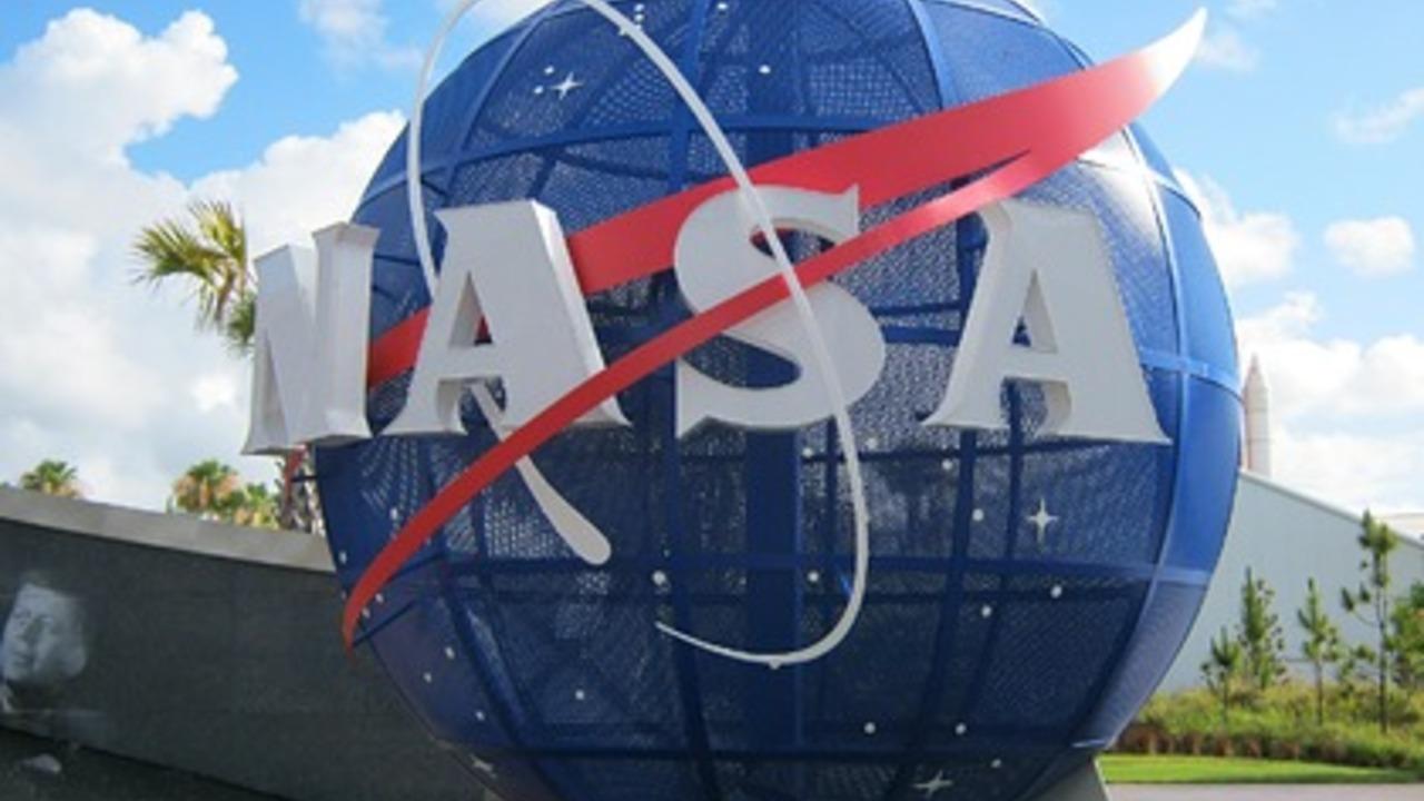 Рогозин захотел увидеть главу НАСА «в своей семье»