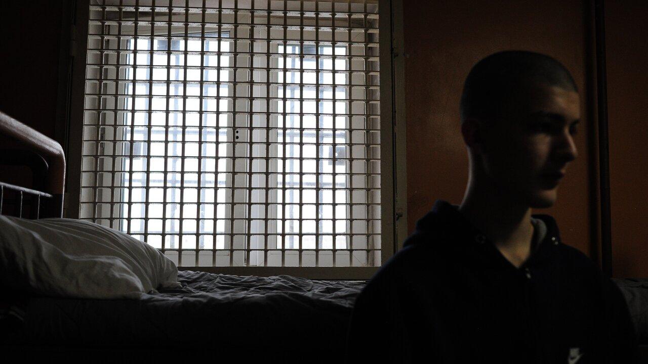 Прокуроры недосчитались холодильников в женских СИЗО