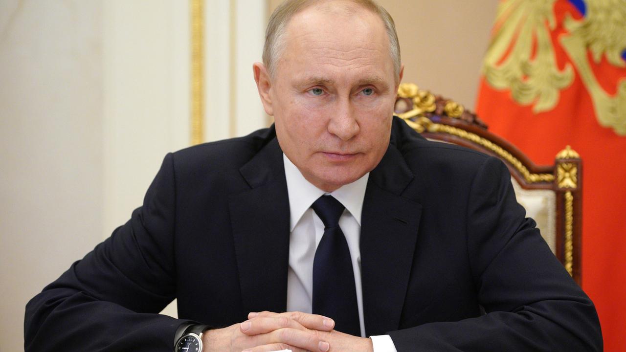 Путин узаконил служебную тайну в оборонной сфере