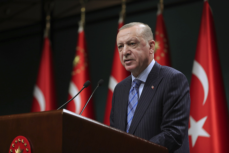 Эрдоган заявил, что приветствует решение России возобновить авиасообщение с Турцией