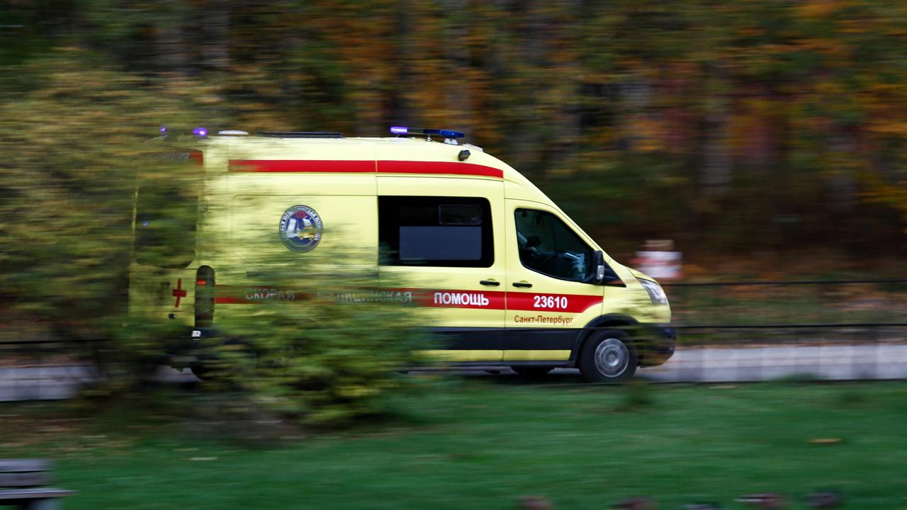 Россиянка набросилась на прохожую и избила ее самокатом
