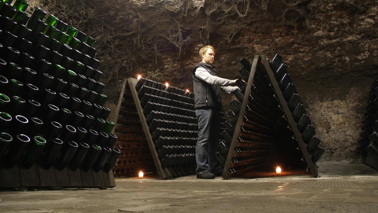 В Союзе виноделов оценили сообщения о начале поставок шампанского из Франции