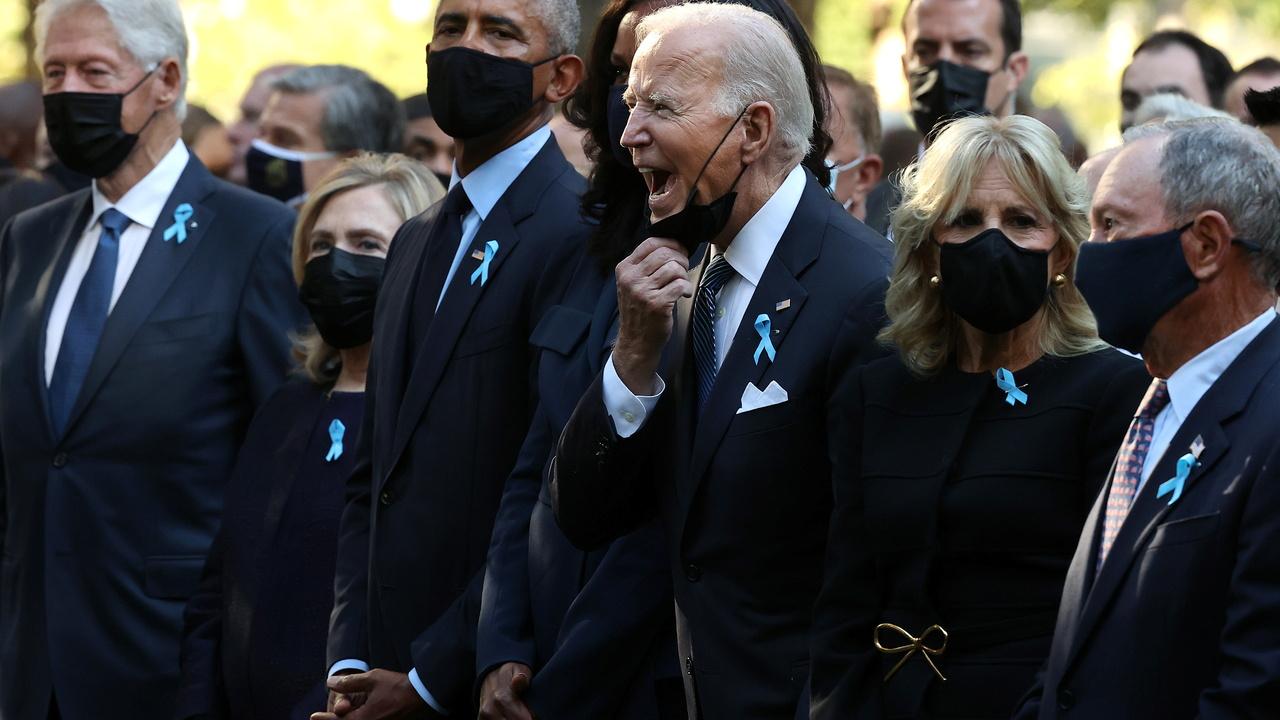 Байден сделал странный жест на церемонии памяти жертв 11 сентября