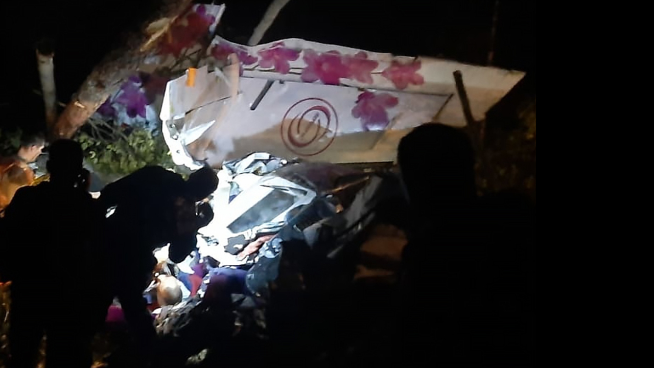 Летевшая к жениху россиянка разбила нос при крушении самолета под Иркутском