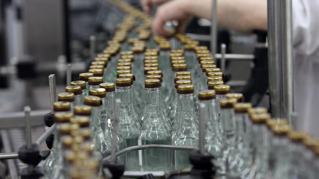 Россиянам раскрыли способ отличить суррогатный алкоголь от настоящего