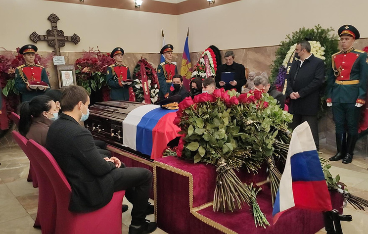 В Краснодаре простились с сенатором от Адыгеи Селезневым