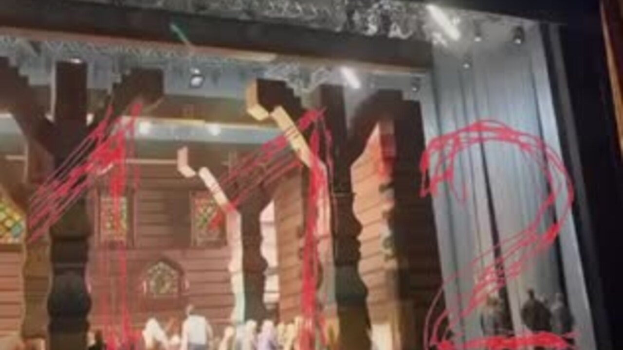 Момент гибели актера на сцене Большого театра попал на видео