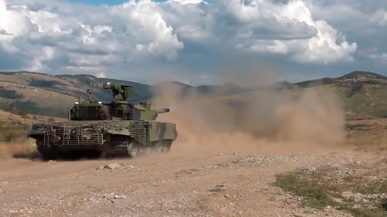 В Сербии показали модернизированный танк M-84