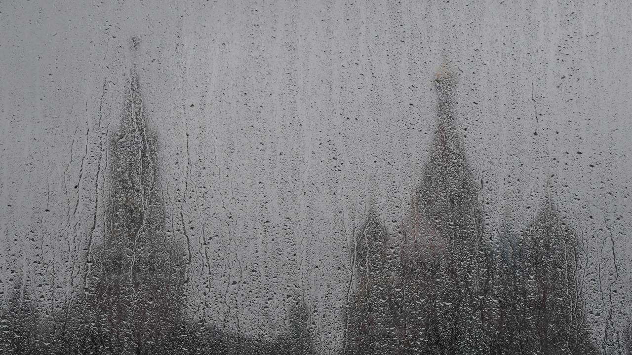 Москвичей предупредили о ливнях